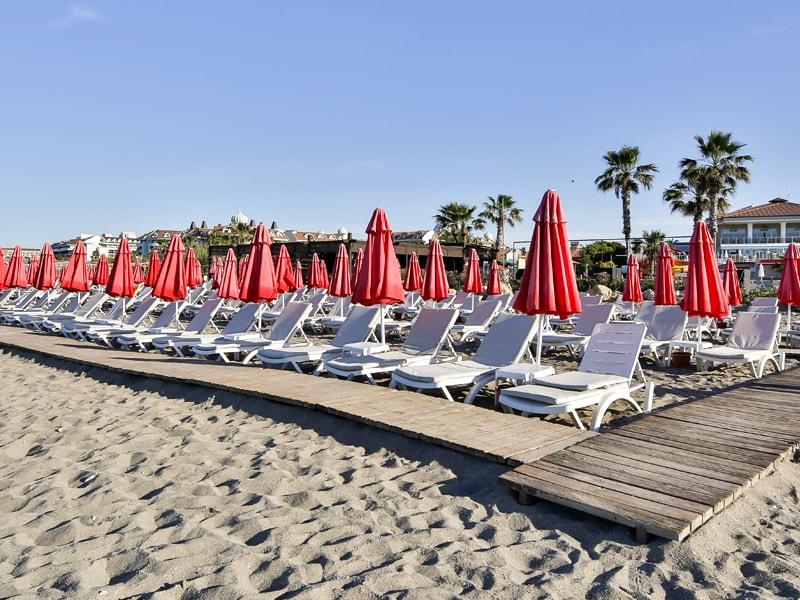 пляж отеля Throne Seagate Belek Hotel