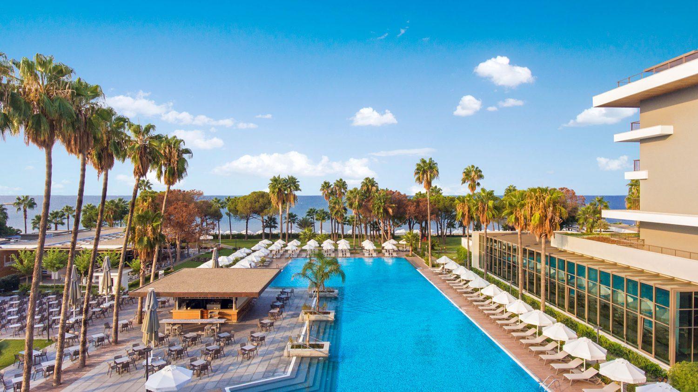 бассейн отеля Barut Acanthus & Cennet