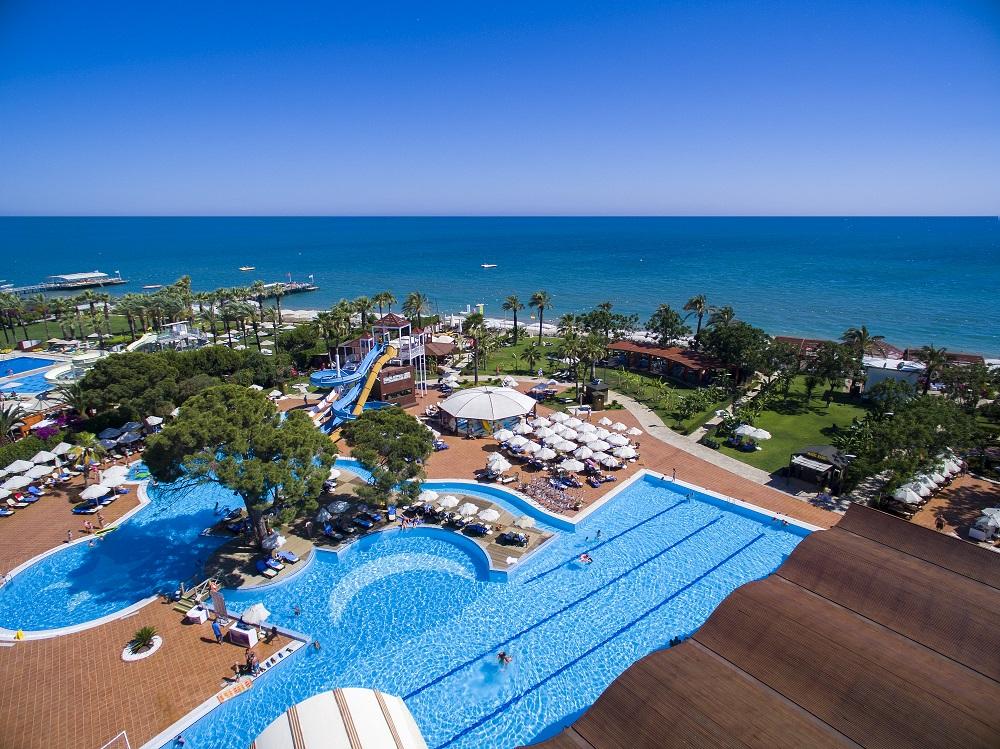 бассейн и аквапарк отеля TUI FUN&SUN Club Belek