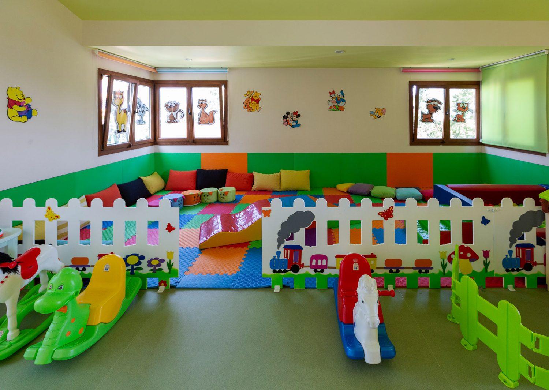 детский клуб отеля Club Hotel Phaselis Rose