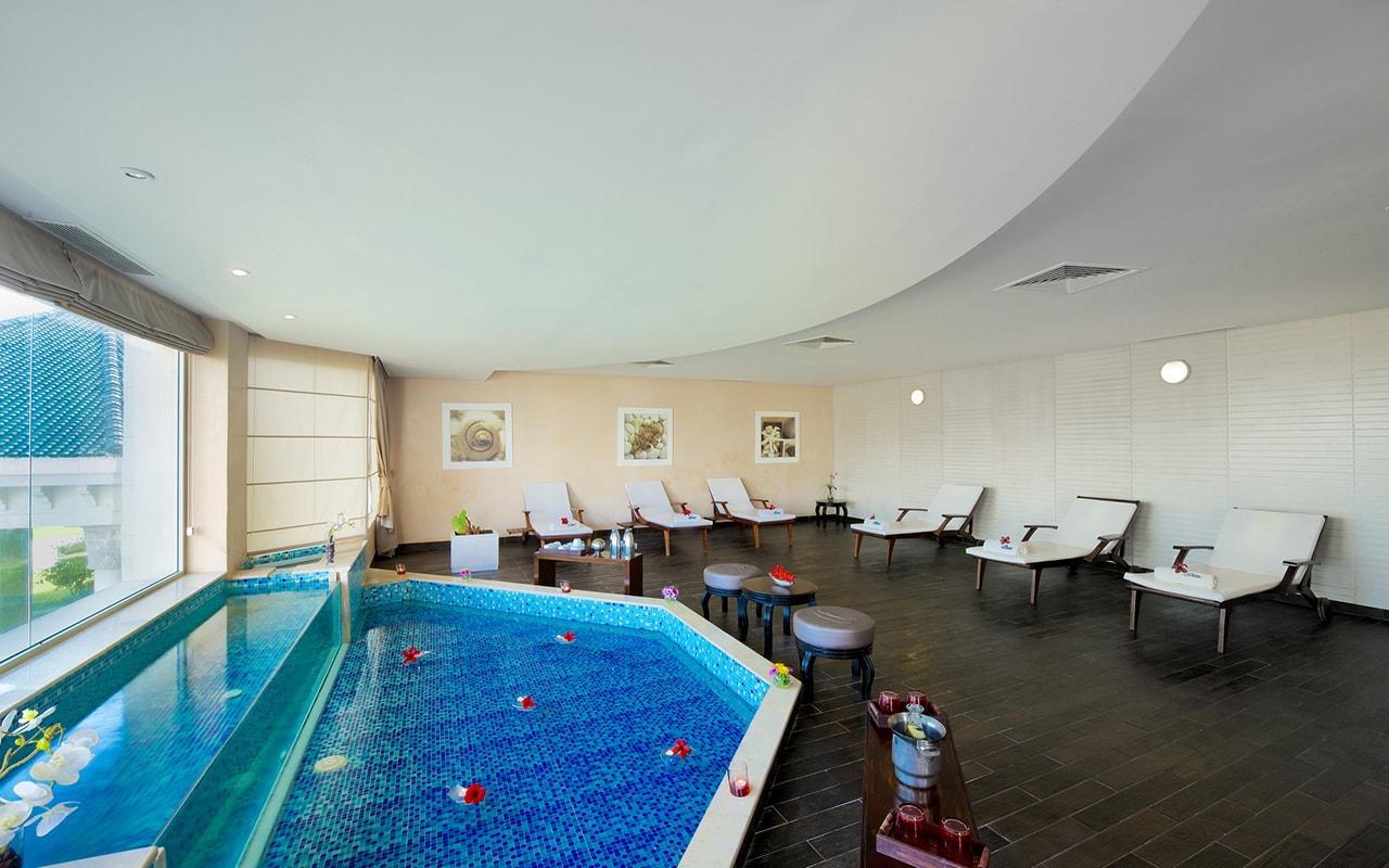 крытый бассейн отеля Iberostar Selection Royal El Mansour & Thalasso