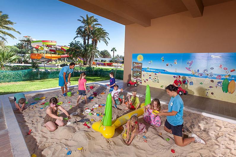 детский клуб отеля Sahara Beach Aquapark Resort