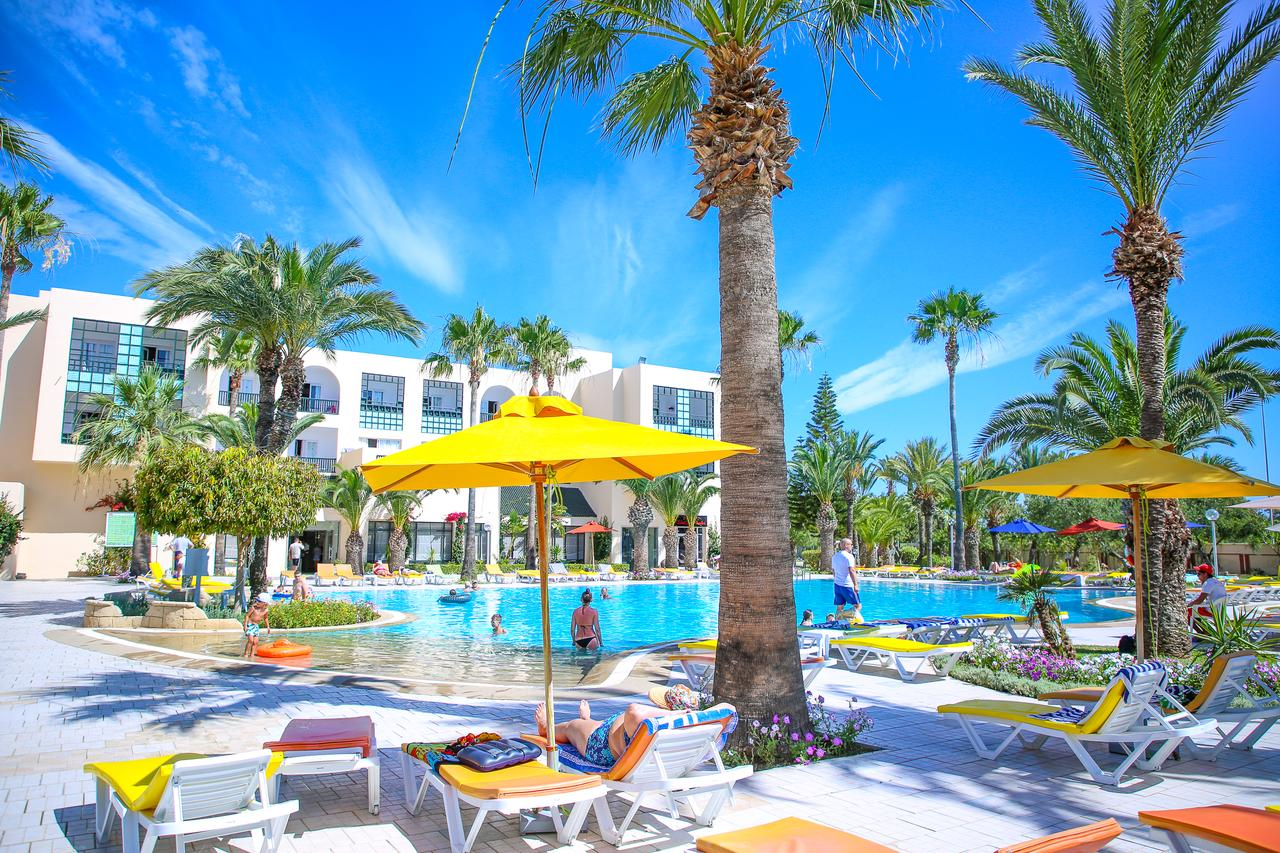бассейн отеля Magic Nerolia & Spa Monastir