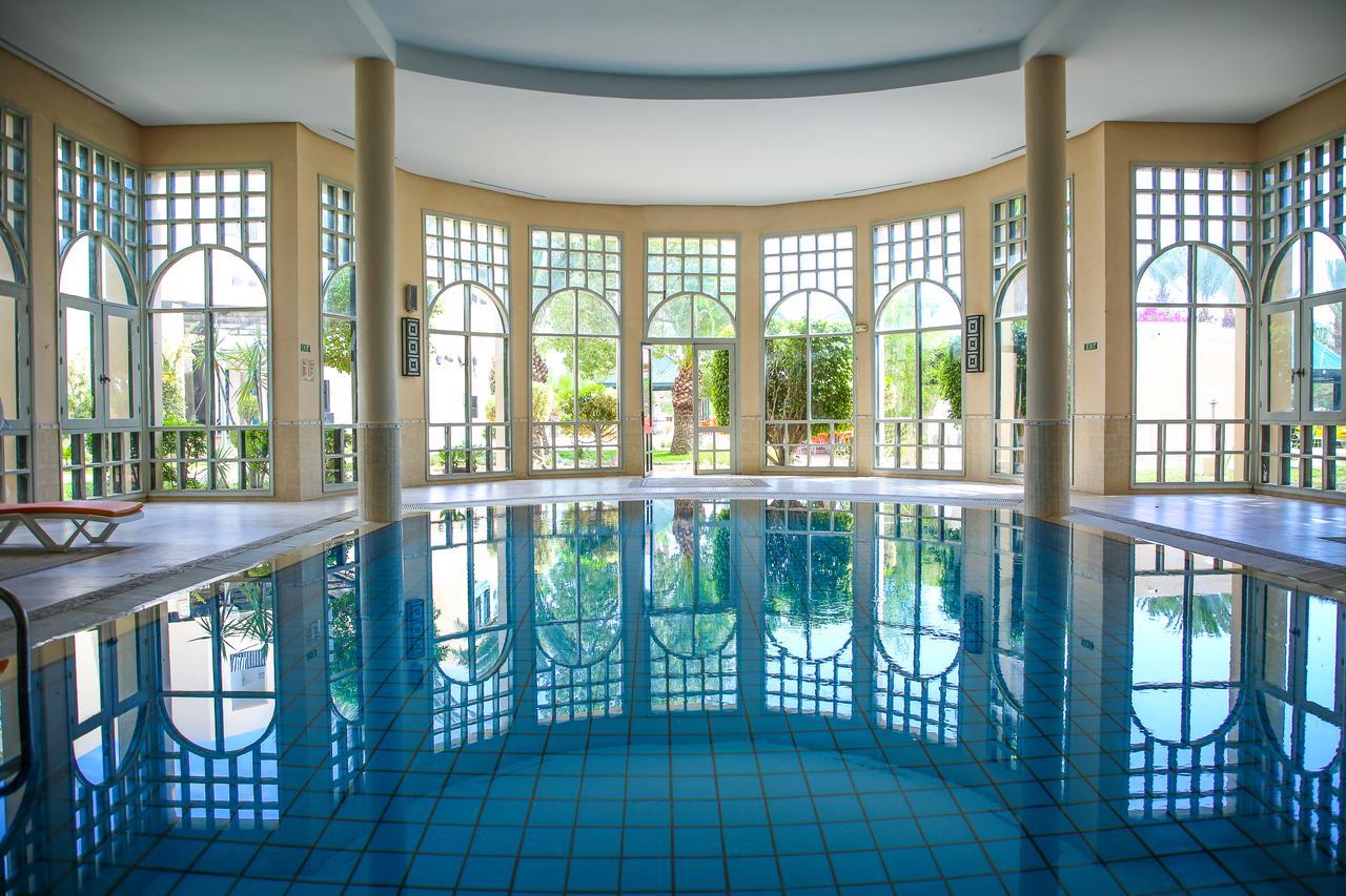 крытый бассейн отеля Magic Nerolia & Spa Monastir