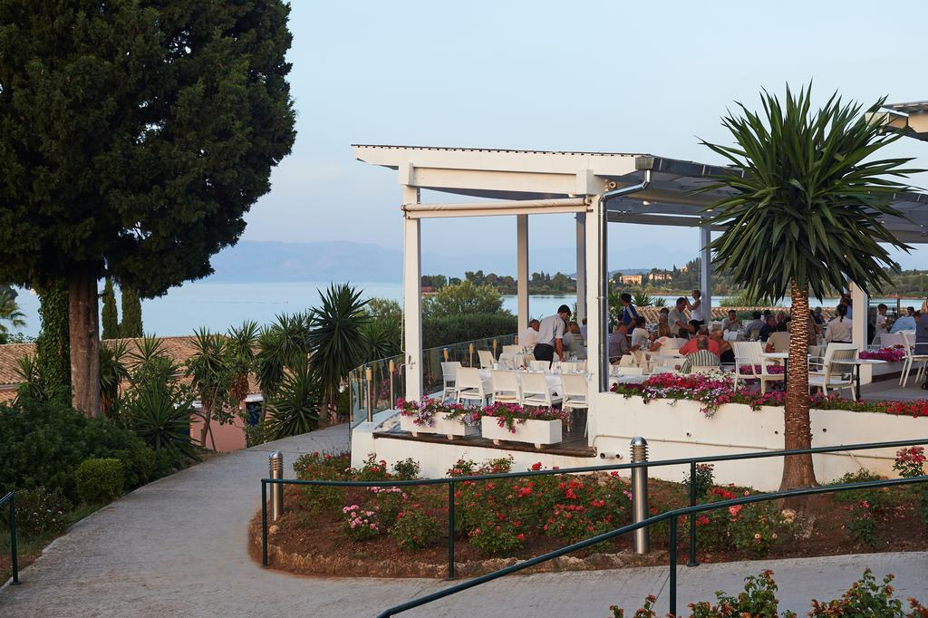 территория отеля Louis Corcyra Beach