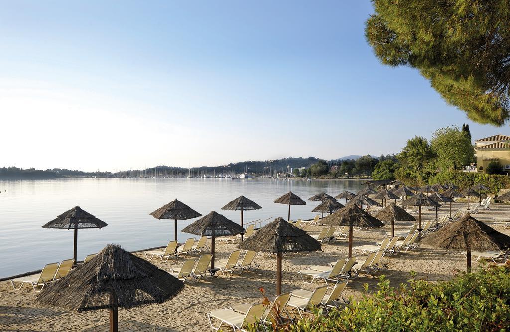 пляж отеля Louis Corcyra Beach