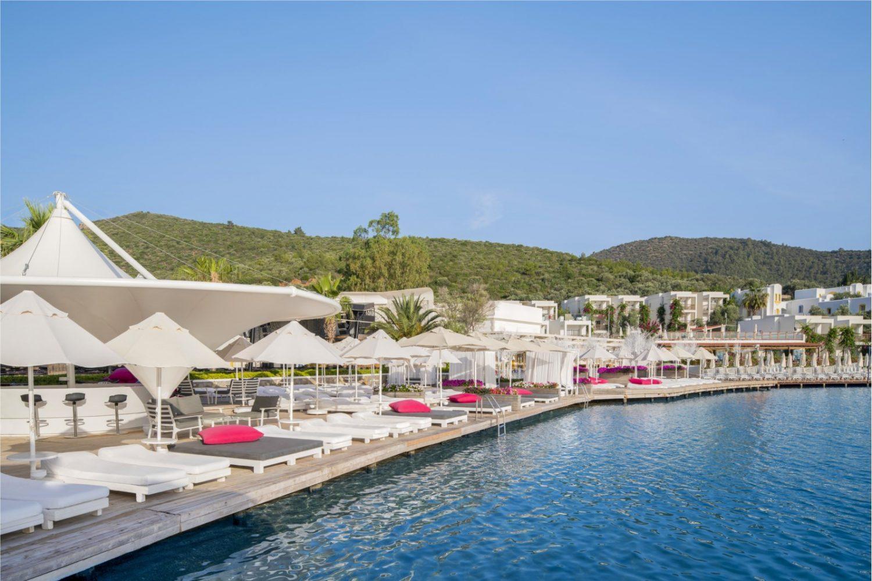 пляж отеля Voyage Torba