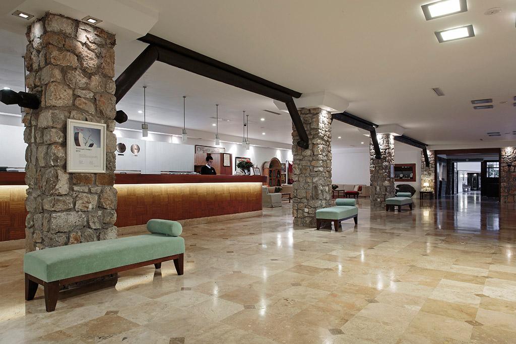ресепшн отеля Marti Resort