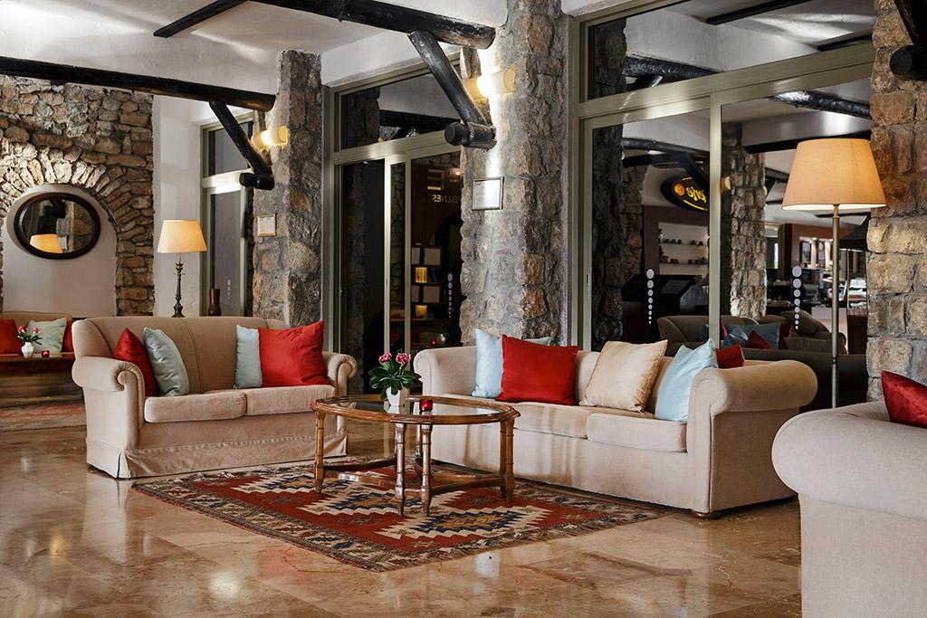 лобби отеля Marti Resort