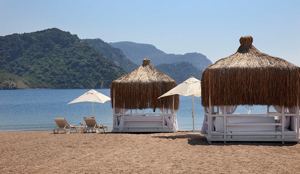 пляж отеля Marti Resort