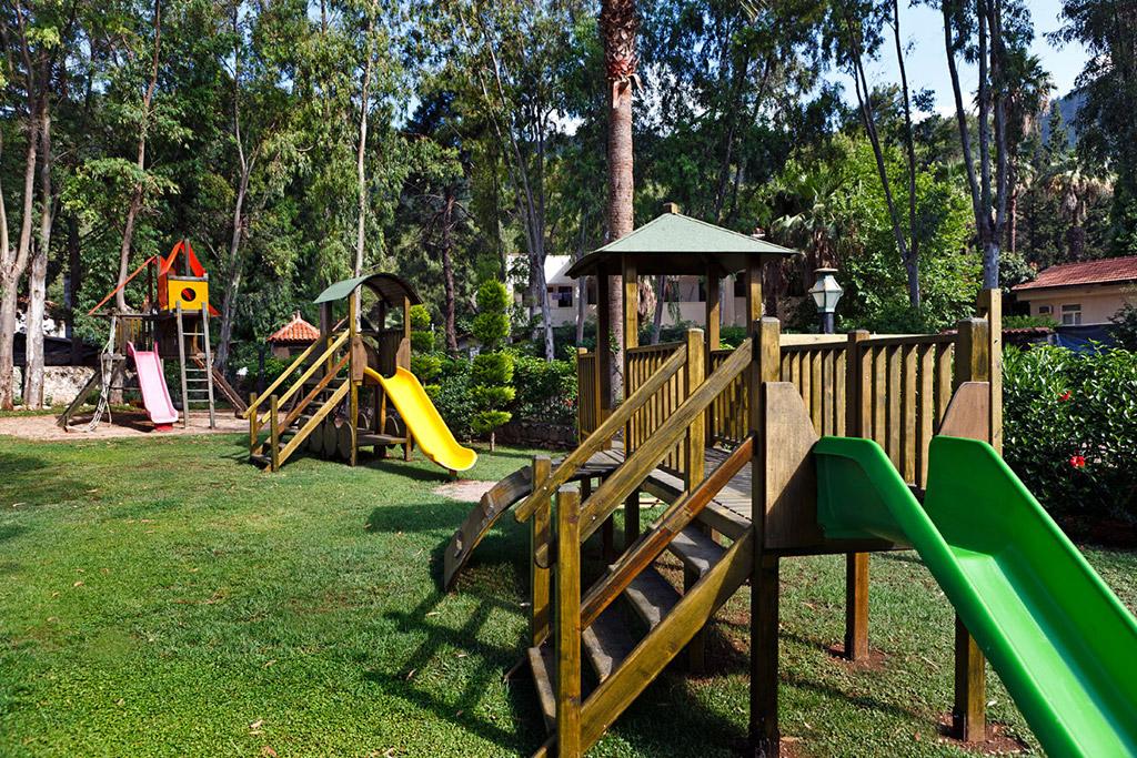 детская площадка отеля Marti Resort
