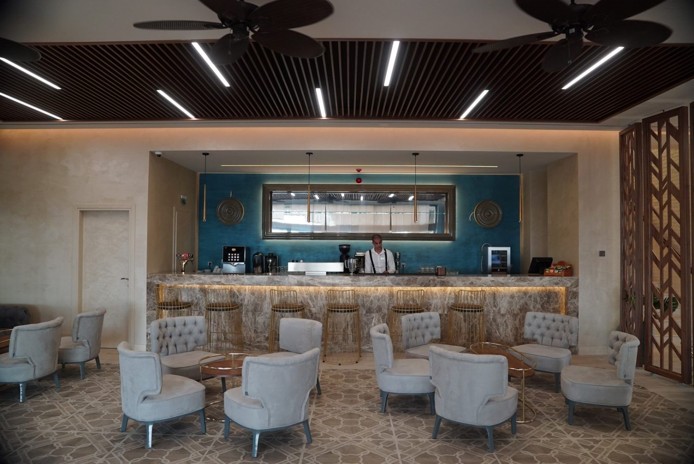бар отеля Almyros Beach Resort & Spa