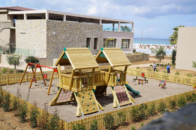 детская площадка отеля Almyros Beach Resort & Spa