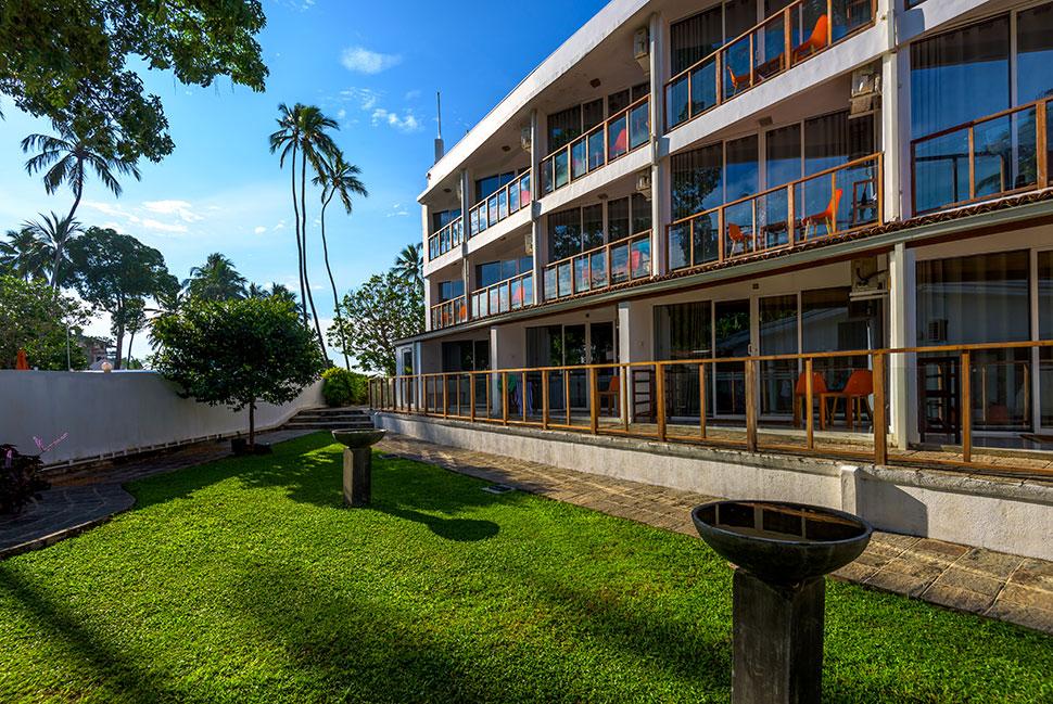 корпус отеля Calamander Unawatuna Beach