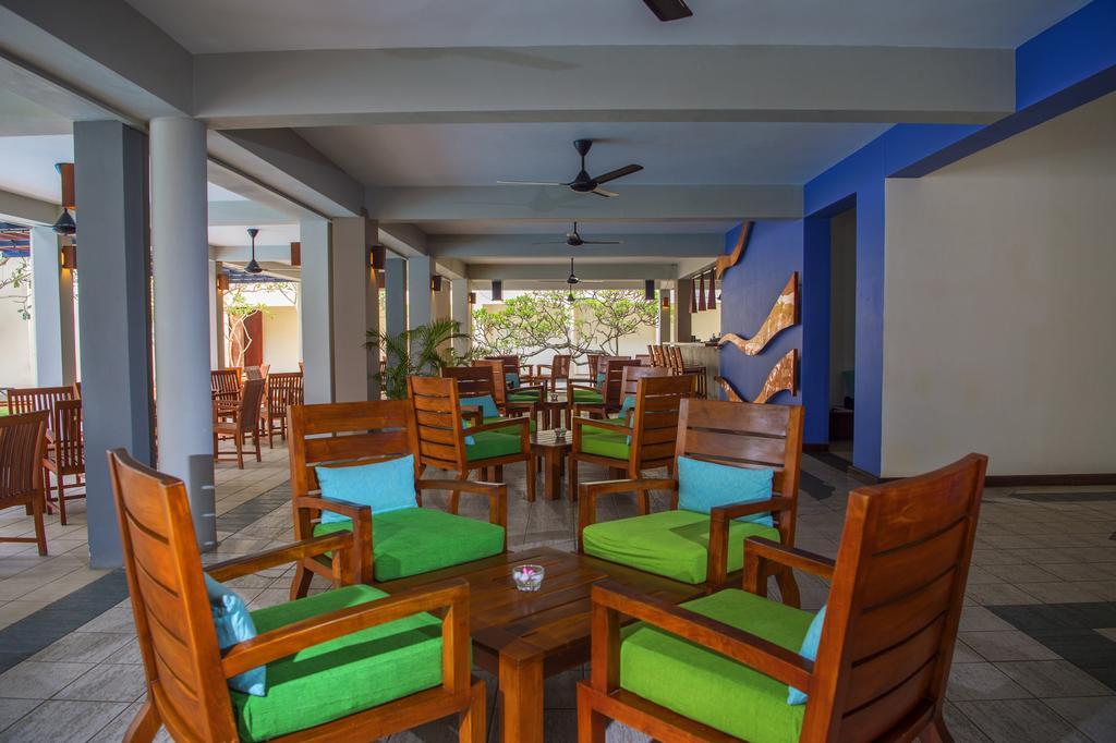 ресторан отеля Mermaid Hotel & Club