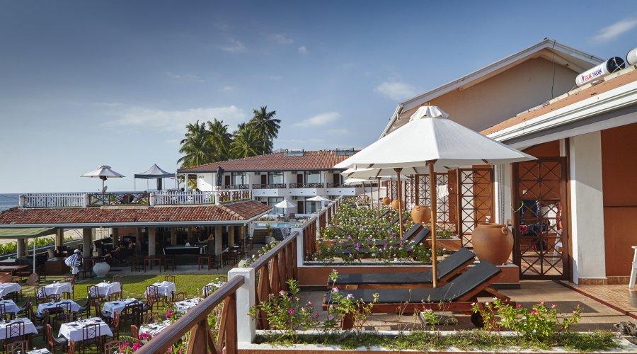 отель Coral Sands Hotel