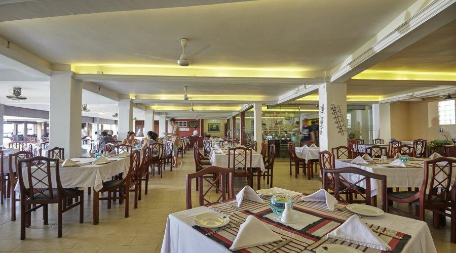 ресторан отеля Coral Sands Hotel