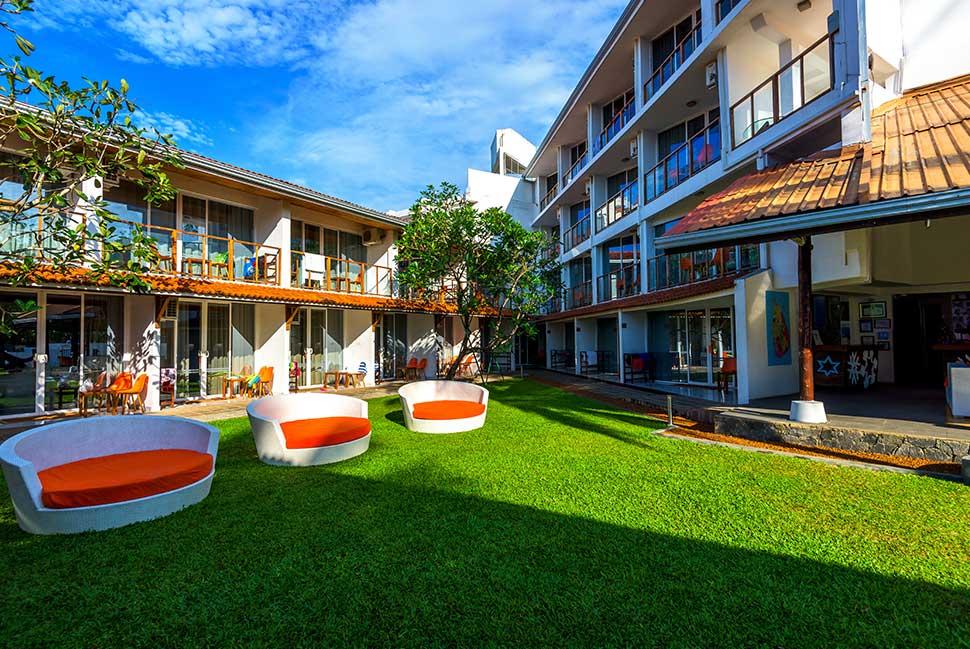 территория отеля Calamander Unawatuna Beach