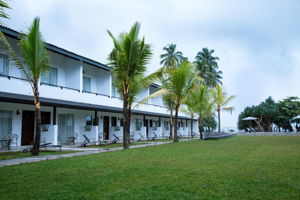 корпус отеля Coco Royal Beach Hotel