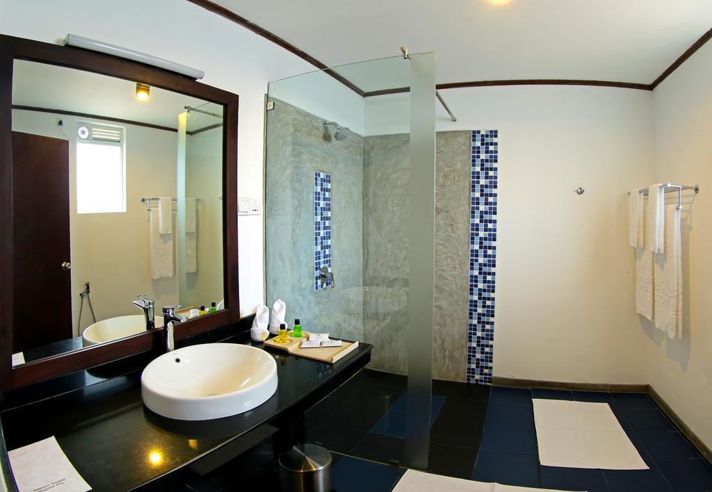 номер отеля Coco Royal Beach Hotel
