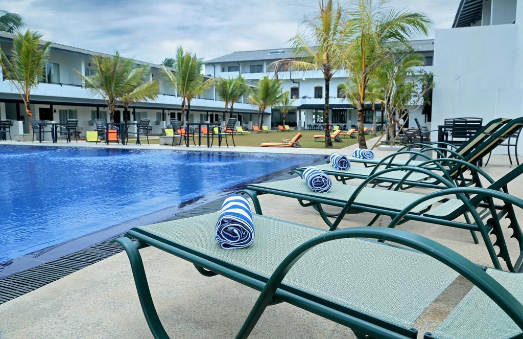 бассейн отеля Coco Royal Beach Hotel