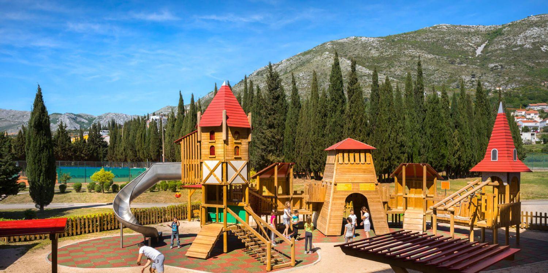 детская площадка отеля Remisens Hotel Albatros