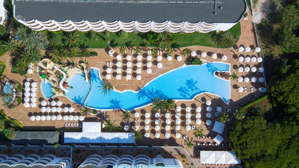 территория отеля Iberostar Albufera Park