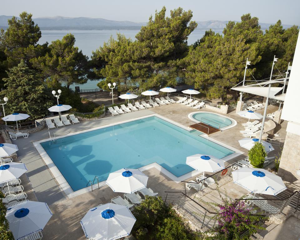 бассейн отеля Bluesun Hotel Borak