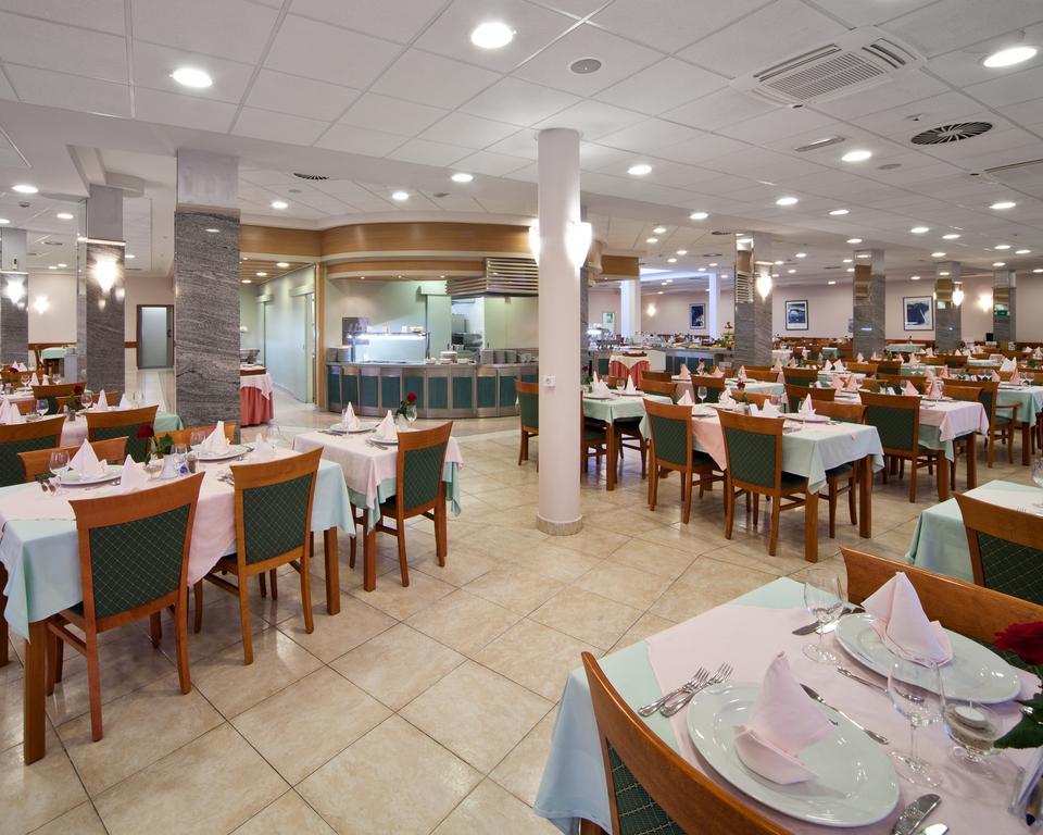 ресторан отеля Bluesun Afrodita Tourist Resort
