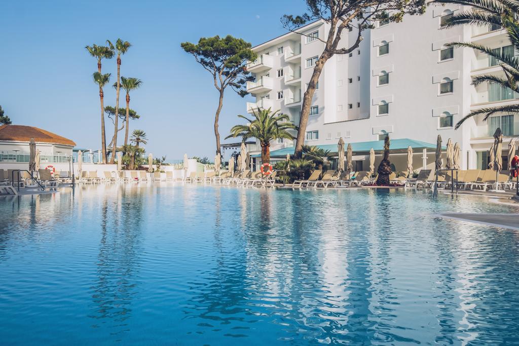 бассейн отеля Iberostar Alcudia Park