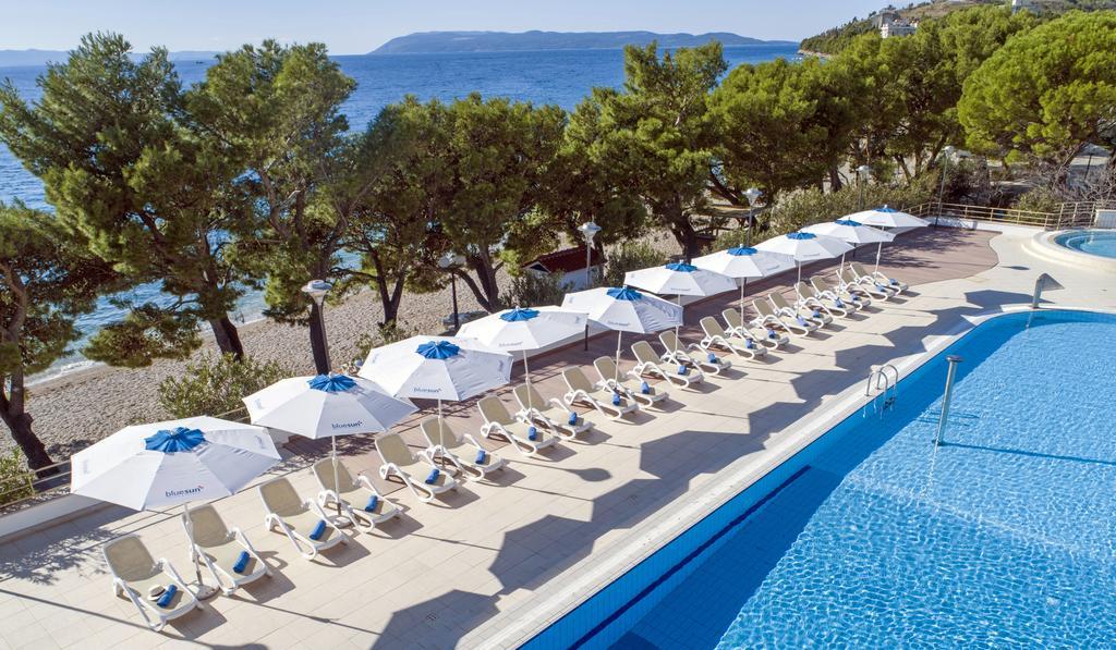 бассейн отеля Bluesun Afrodita Tourist Resort