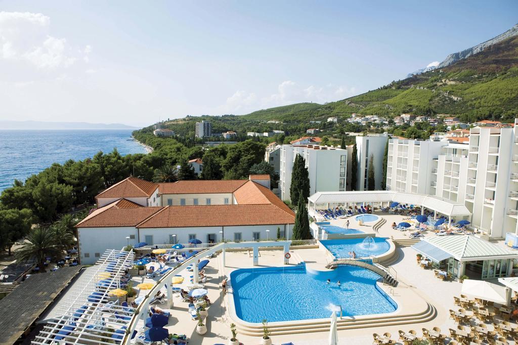 территория отеля Bluesun Hotel Alga