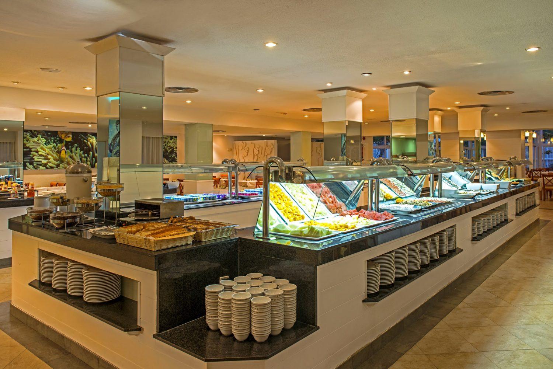 главный ресторан отеля Iberostar Ciudad Blanca