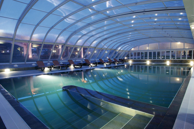 крытый бассейн отеля Occidental Playa de Palma