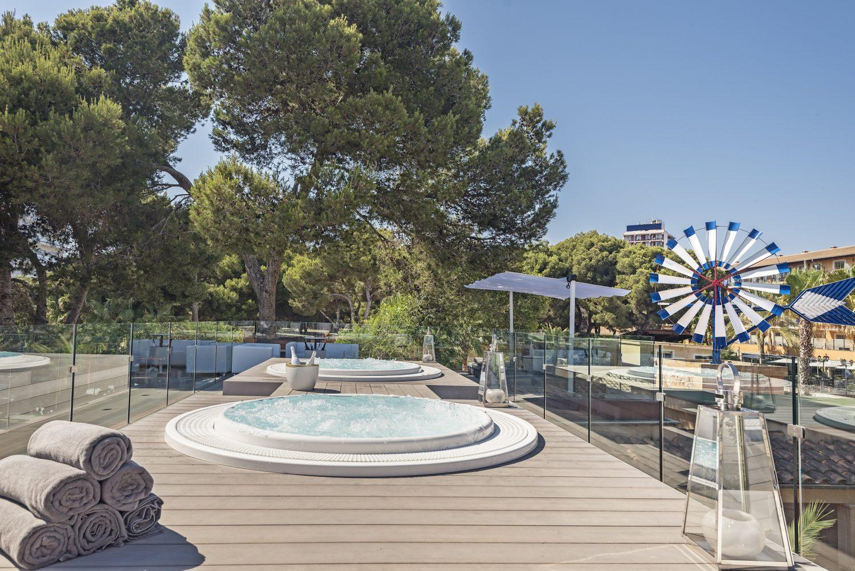 территория отеля Occidental Playa de Palma