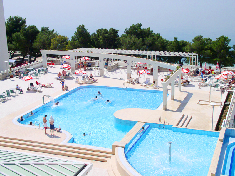 бассейн отеля Bluesun Hotel Alga
