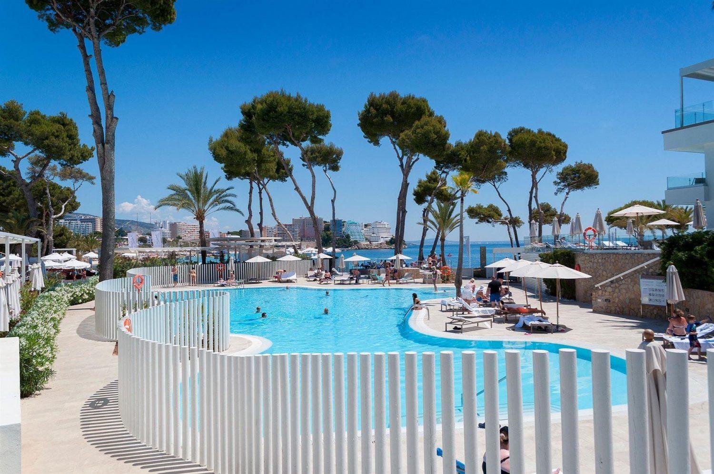 бассейн отеля Melia Calvia Beach