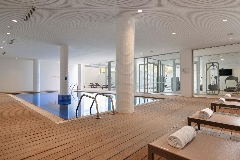 крытый бассейн отеля Melia Calvia Beach