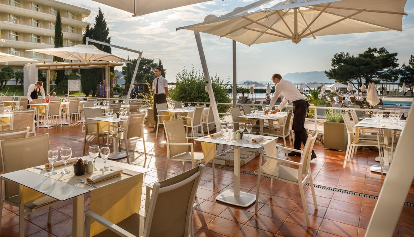ресторан отеля Remisens Hotel Albatros