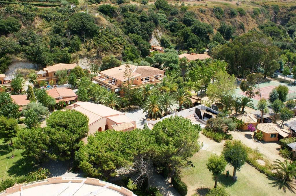 территория отеля Hotel Residence Solemare