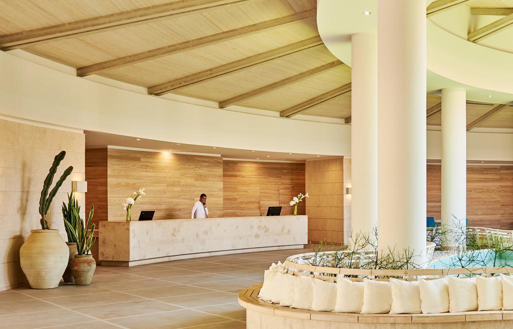 ресепшн отеля Capovaticano Resort Thalasso & Spa