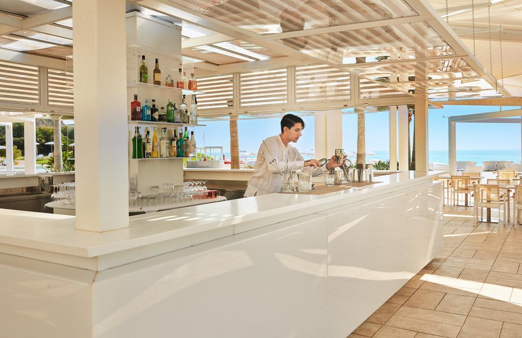 бар отеля Capovaticano Resort Thalasso & Spa