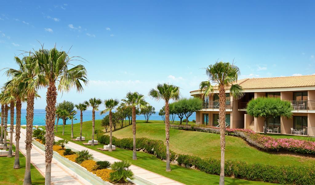 территория отеля Capovaticano Resort Thalasso & Spa