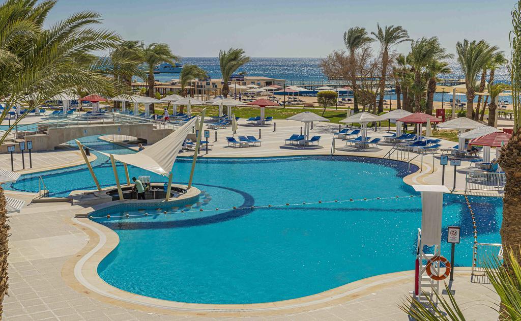 бассейн отеля Amarina Abu Soma Resort & Aquapark