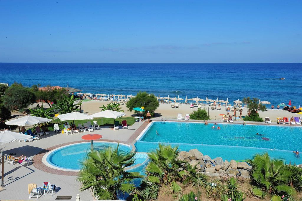 бассейн отеля Hotel Residence Solemare
