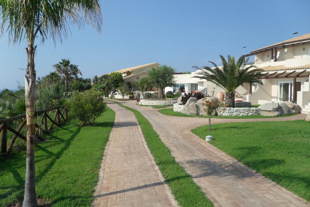 территория отеля Villaggio Cala di Volpe