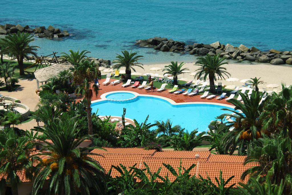 бассейн отеля Villaggio Cala di Volpe