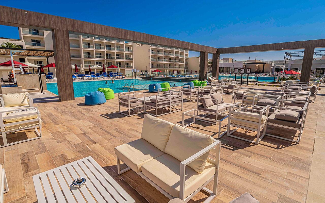 зона отдыха отеля Amarina Abu Soma Resort & Aquapark