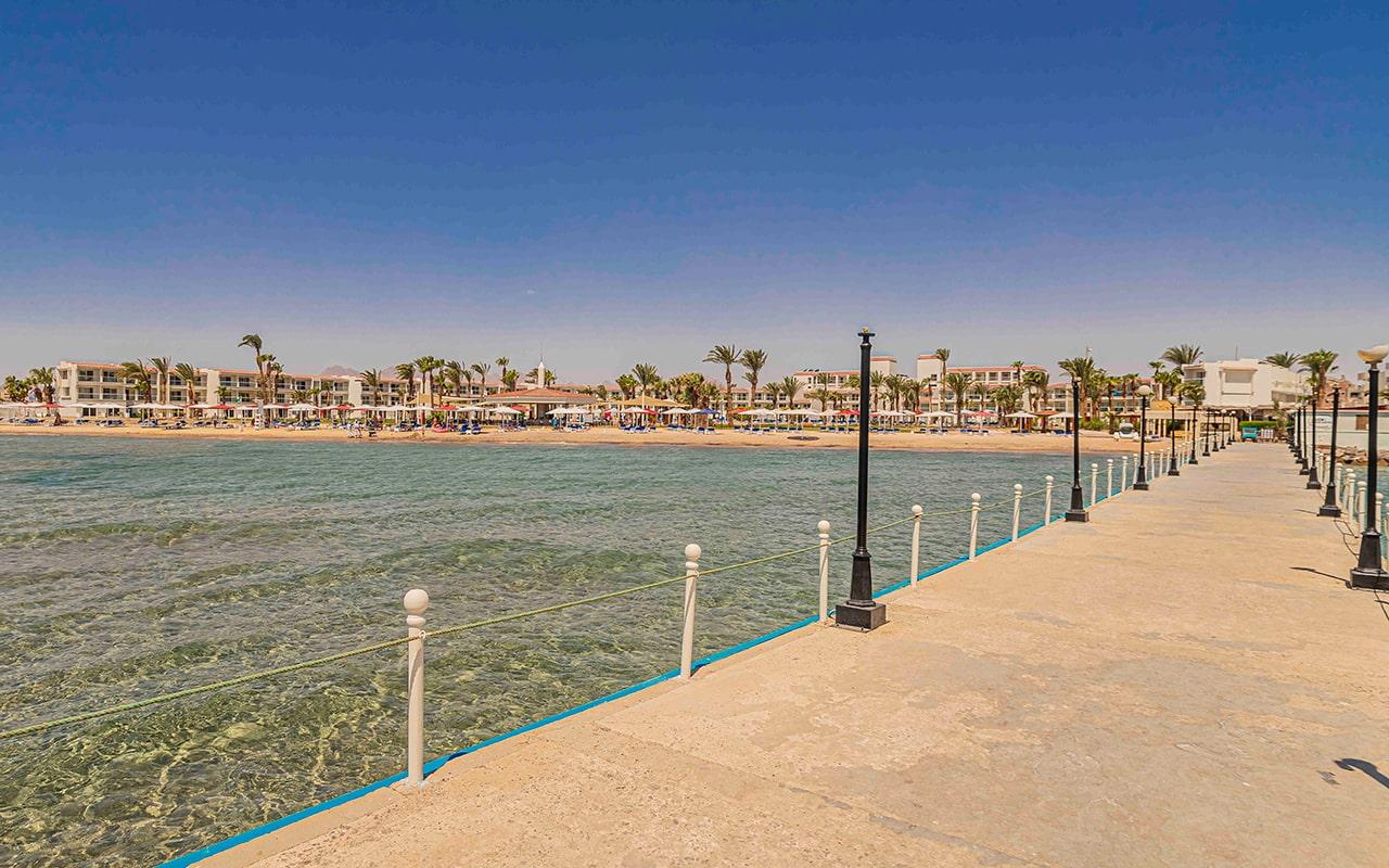пирс отеля Amarina Abu Soma Resort & Aquapark