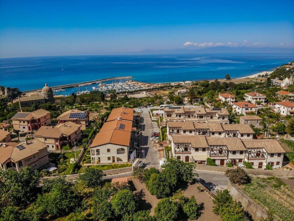общий вид отеля Cooee Michelizia Tropea Resort